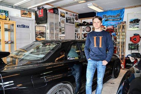 Bilinteressert: Odin Skutbergsveen Larsen er interessert i bil og har en egen YouTube kanal der han legger ut innhold om sin Nissan Skyline R34 GT-R.