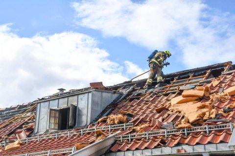 HUSBRANN: Nødetatene fikk melding om brannen i Kastbakkvegen i Moelv klokken 07.40 søndag morgen.