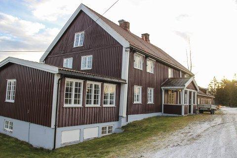 Brandbu-mann Kjetil Hestdalen har kjøpt Ballangrud gård fra Oslo kommune. Han planlegger å etablere nytt hovedkontor for firmaet sitt, Brandbu byggservice.
