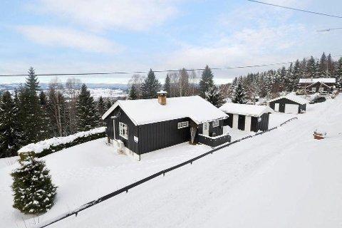 Hammerenga 61 i Gran bli i mars solgt for 2.020.000 kroner.