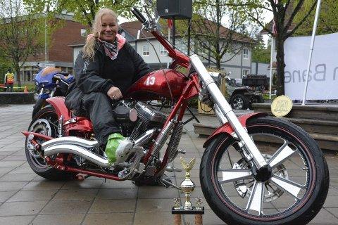 Sjanet Kalleberg fra Eidsvoll fikk to priser. Beste Custom og førsteplassen i « People`s choice» med en Harley Davidson.