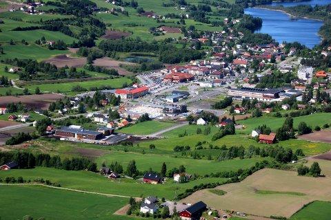 RIMELIGST: Hadeland er den rimeligste Vestopplands rimeligste region å bo i. Her representert ved Gran sentrum.