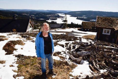 UTSIKT: Utsikten mot Mylla er formidabel. Tore Nilsen vil ha hytter som knapt er synlige i terrenget.