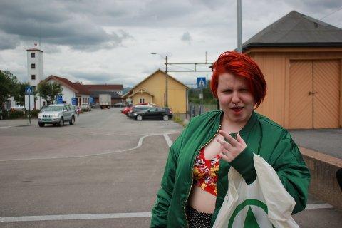 SOMMERPRATEN: Med Ida Lundgård (16) fra Brandbu.