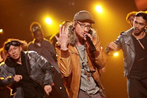 Fra hiphop til opera: Forrige helg sto hiphop på programmet for Adam Douglas og de andre Stjernekamp-deltagerne. Nå er det andre boller; opera.