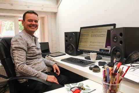 JAKTER LÅTER: Tor Ingar Jakobsen jobber med musikken til Broadway-musikalen «The time of Nick» som skal settes opp i musikalhovedstaden New York i 2019.