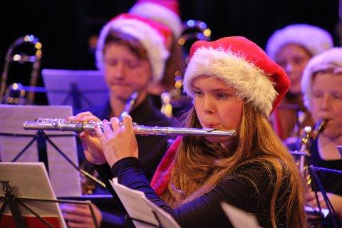 Maren Marie Hval på fløyte.