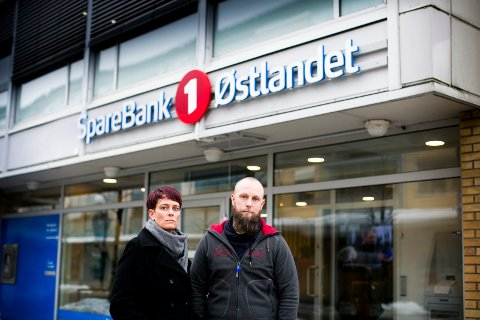 ØNSKER SVAR: Linda Moen Sjøvik og Øyvind Moen Evjenth ønsker svar på hvorfor morens livsforsikring ble sagt opp. Nå har de stevnet Sparebank 1 Forsikring AS.