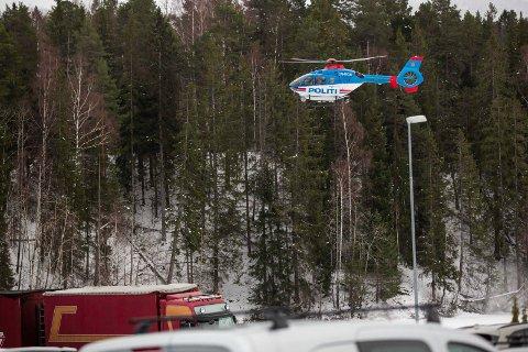 SØK: Politihelikopter i søk etter 6 år gammel gutt som har forsvunnet på Jevnaker.