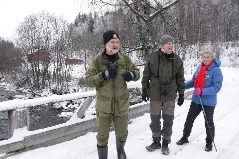 FASTE: Even Dehli, Ole Bosse og Marit Staxrud er faste tellere på fossekallvandring 2. juledag.