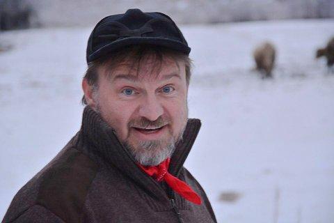 TIL LUNNERHALLEN: Halvor Sveen, Farmenvinner i 2017, jeger og foredragsholder, kommer til Lunnerhallen 6. april.
