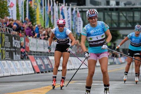 FINALE: Barbro Trømborg Kvåle (til venstre) kom til finale på sprinten. Maiken Kaspersen Falla vant.