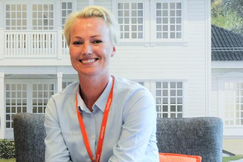 FORNØYD: Salgsleder i Norhus Ringerike, Kristin Gamkinn Søraker er godt fornøyd med prosjektet på Bergermotunet.