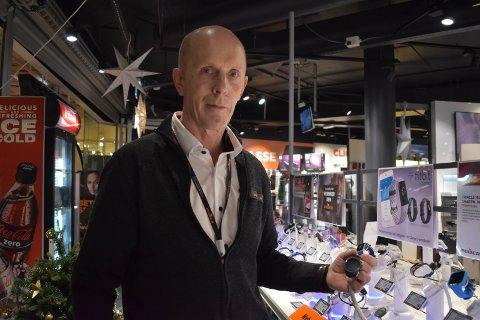 BYTTER: – Klokker er en typisk byttevare i romjula, sier Henning Kristiansen ved Power Gran.