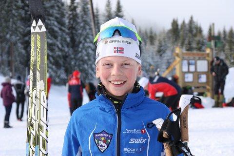 STOLT: Lars Heggen (13) hadde som mål å slå storesøster Anna. Det klarte han.