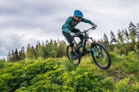 I TERRENGET: Helgens sykkelløp foregår i terrenget, ikke på landevegen.