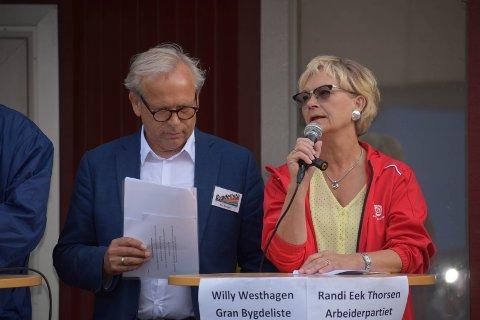 AV- OG PÅTROPPENDE? Det meste tyder på at Willy Westhagens dager som ordfører er talte. Men blir det Randi Eek Thorsen som tar over?
