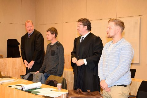 TILTALT: Advokat Tollef Skobba representerer Ole Johan Fuglerud, og advokat Arve André Larsen representerer Joakim Welo Gulbæk.