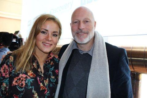 KONFERANSIER: Helene Olafsen, her sammen med ekspert-kollega Lasse Kjus under OL i 2018, kommer til Hadeland.