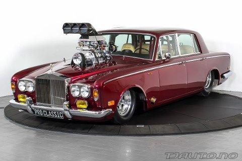 UVANLIG ROYCE: Rolls Royce er ikke blant de vanligste bilene på veien. Denne ombygde varianten er iallfall uvanlig.