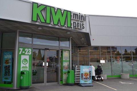 HISTORISK PRISKUTT: Kiwi reduserer prisen på 200 av de mest solgte varene.
