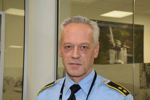 ETTERFORSKER: Bent Engebret Øye, seksjonsleder for etterforskning i Hønefoss, opplyser at det vil ta inntil et halvt år å få svar på prøvene fra de tekniske undersøkelsene.