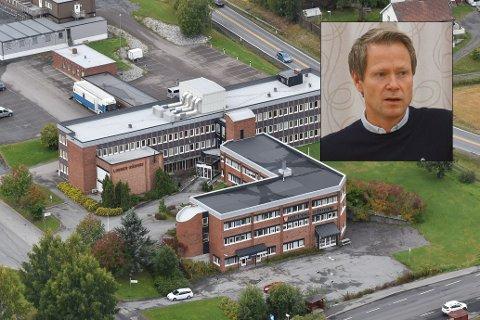 NABOKLAGE: Ordfører i Lunner, Harald Tyrdal har mottatt et brev der et ektepar mener naboen driver ulovlig verkstedvirksomhet