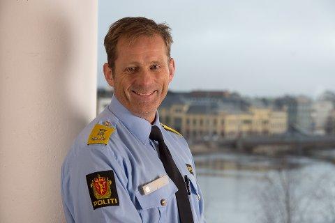 Krevende: Politimester Johan Brekke sier situasjonen politiet befinner seg i økonomisk er krevende, og det vil være nødvendig å gå gjennom hele driften for å kunne spare inn flere millioner kroner.