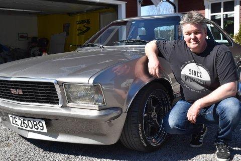 STRØKEN: Anders Engesvoll med sin strøkne Opel Commodore.