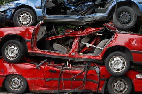 TI ÅR: I snitt er en norsk bil drøyt ti år på veien før den blir levert til vraking.