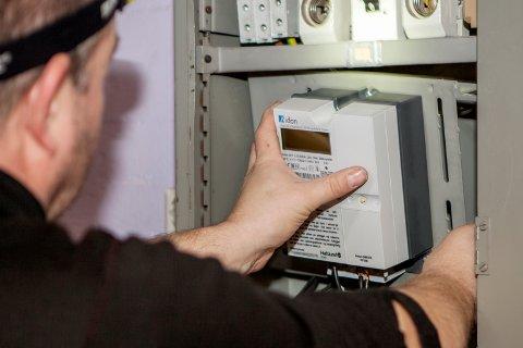 AUTOMATIKK: Retten ga Glitre Energi Nett medhold i at de som ikke har automatisk avlesing av sin strøm må betale de faktiske kostnadene selskapet har for å registrere strømforbruket til kundene.  Foto: Paul Kleiven / NTB scanpix