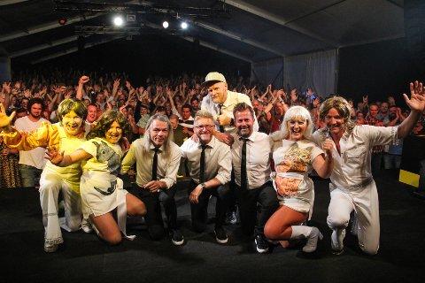 VINN BILLETTER: Sju personer blir trukket ut som vinner av to billetter hver til årets Urbane Totninger gjennom denne videokonkurransen hos Hadeland.