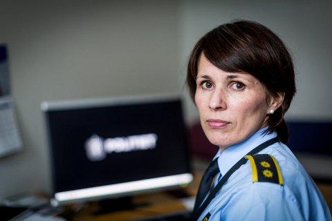 – FØLG MED: Avsnittsleder Kjersti Fagerli i Øst politidistrikt ber foreldre om å følge med på hva som foregår i barnas liv på nett.