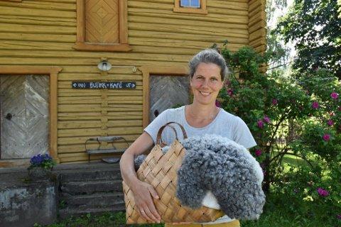 KLAR:  Anna Müller er klar for å ta imot gjester hjemme på gården i Åsbygda.