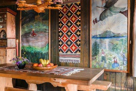 DEKORERT: Hytta er dekorert etter alle kunstens regler.