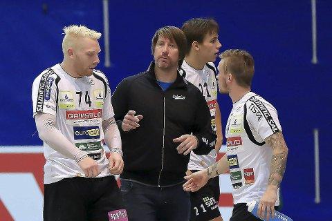 Gleder seg: Jonas Wille er spent og gleder seg til kveldens kvartfinale mot Kolstad. Her sammen med Viktor Skillhammar og Simon Aulén under bortekampen mot Viking tidligere i høst.foto: frode olsen