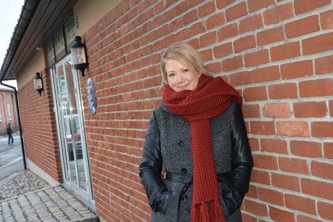 JOBB OG FRITID: Monia Berger har drevet Veslefrikk kultur- og teaterverksted i mange år, og teater er en viktig del av både fritida og yrkeslivet. Foto: Anja Lillerud