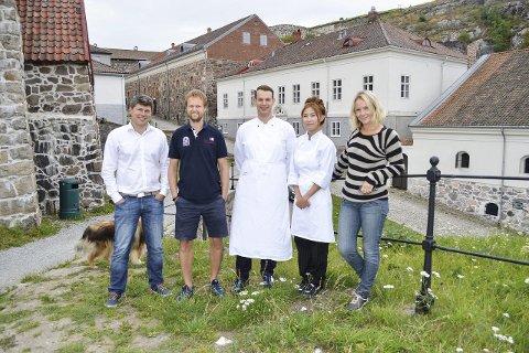 Gleder seg: Denne gjengen gleder seg til lørdagens vegetarfestival på festningen. Fra venstre: Jens-Petter Berget, Espen Halkjær, Martin Dyb Van Zondert, Chalita Johannessen og Marita Rognøy. Foto: Thomas Lilleby