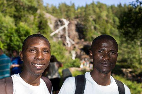Rahim Nasser(Tanzania) og Celso Antonio De Campos(Angola) har kommet helt til Norge for å være med på Klimapilegrimsferden