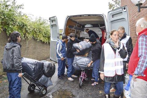 Hjelpebehov: Kommunen kan ikke håndtere levering av klær og utstyr. Det gjør flere organisasjoner, men kommunen administrerer hjelp til inkludering av flyktningene. foto: Thomas Lilleby