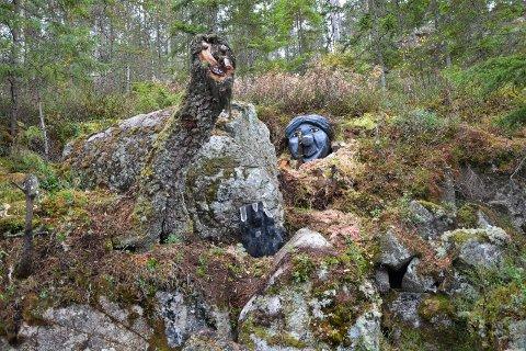 TROLL: Trollstien går rundt Ortmtjern og egner seg veldig godt for eventyrlystne barn.