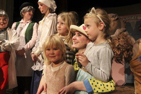 POPULÆR BLANT BARNA: Kajsa Fosdahl var mange av barnas sin favoritt i teaterstykket. Hun spilte tante Sofie.