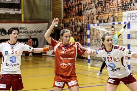 Carina Vrangen og HHK fikk det tøft mot Larvik.