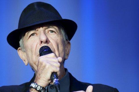 HAR REKORDEN: Leonard Cohen har den offisielle publikumsrekorden i Fredriksten festning. 10.000 mennesker kom da han spilte der i 2012. Cohen døde i 2016.