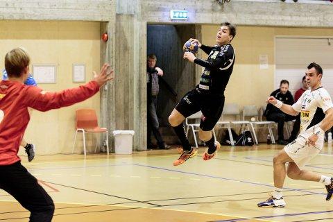 William Nilsen-Nygård var en av HTHs beste, mener HAs håndballeksperter.