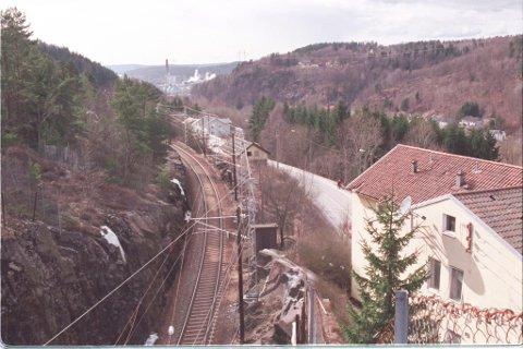 Denne bakken opp mot Tistedal vil de fjerne fra dagens jernbane.