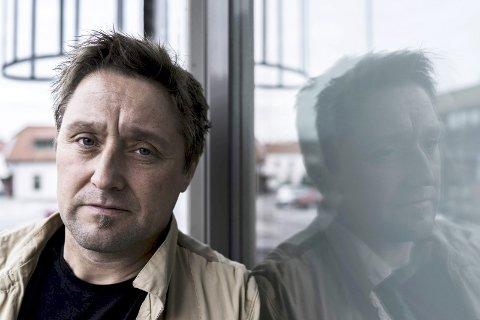 SVARER: Arbeiderpartiets Lars Pedersen Due er frustert over innleggene til samfunnsdebattant Tormod R. Ausland.