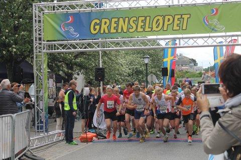 Her går startskuddet i Grenserittets nye satsing, Grenseløpet. Rundt 80 deltakere kunne velge mellom 3, 5 og 10 km.