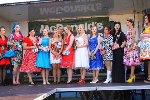 DELTOK I 2016: Denne gjengen med flotte damer deltok i Miss Fuzzy Dice for to år siden. I august er det nye muligheter, og nytt av året er at både gutter, jenter, damer og par kan delta.