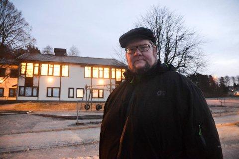 SKAPER URO: Trebarnsfar Johannes Wilberg Halvorsen mener det er viktig å gi politikerne tydelig beskjed om at han og andre foreldre ikke ønsker at skolegrensene til Prestebakke flyttes ned til Aspedammen.